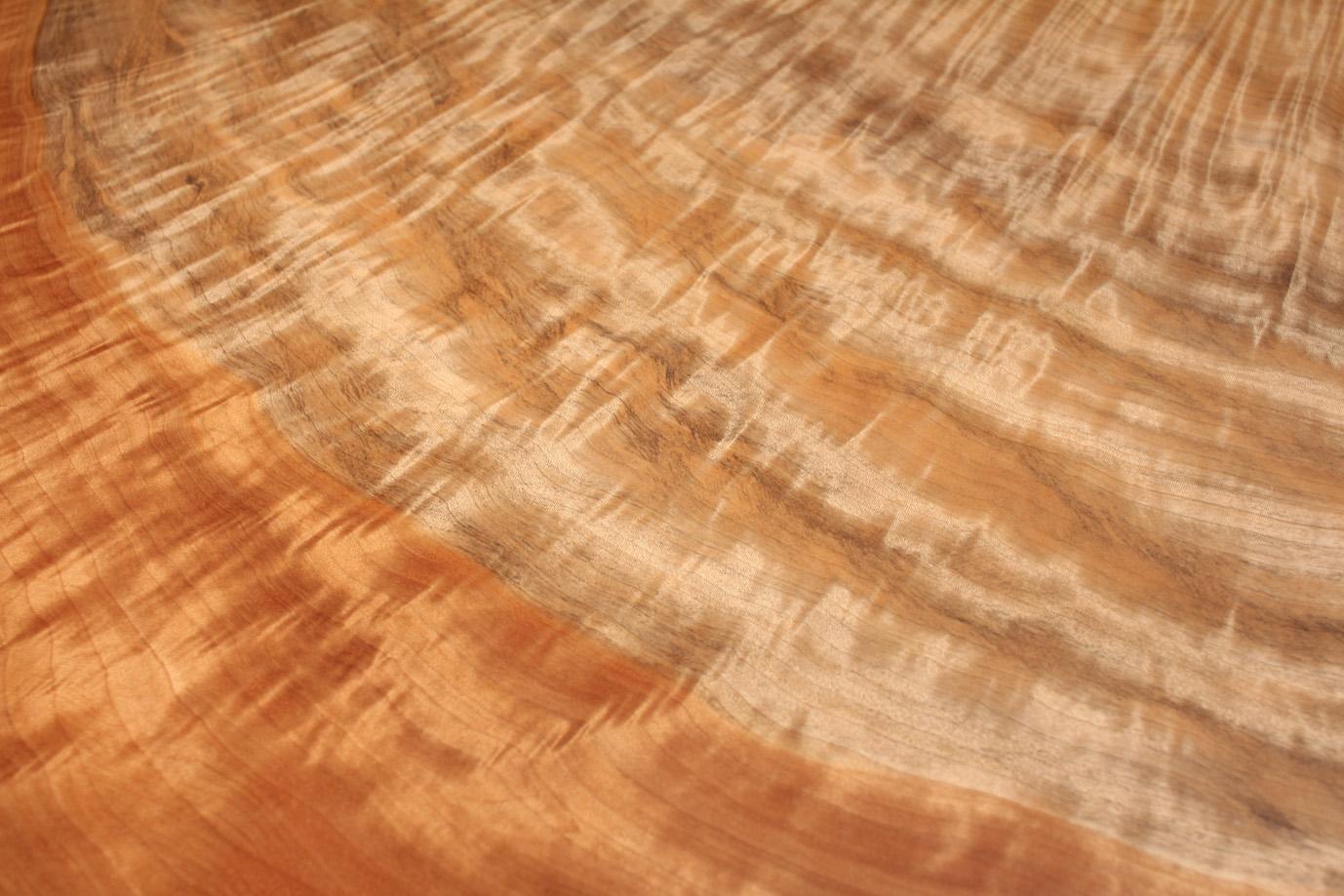 栃の木の縮杢
