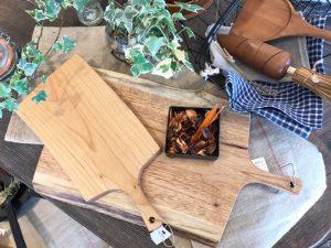 木のぬくもり溢れるカッティングボード