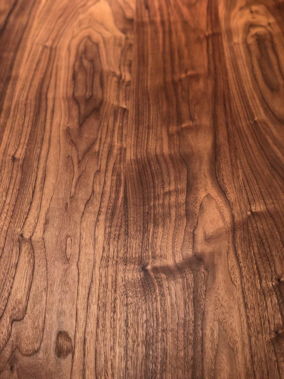 無垢ウォールナット材のハギダイニングテーブル