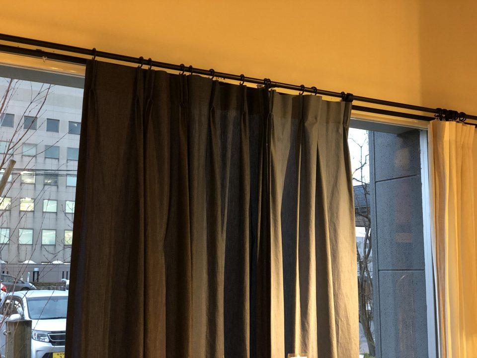ソフトデニムカーテンはコットン綿生地で柔らかさがあります。
