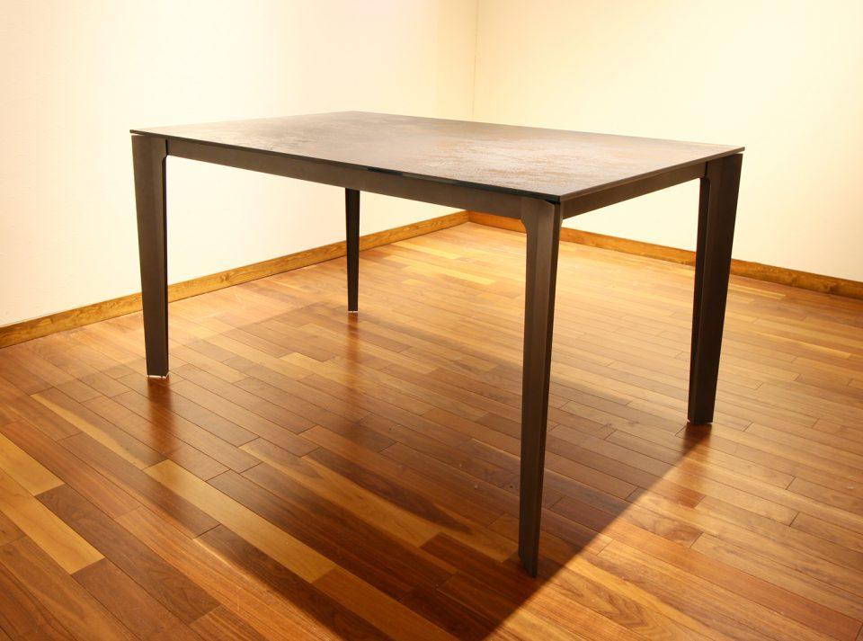 オペラ伸縮テーブル