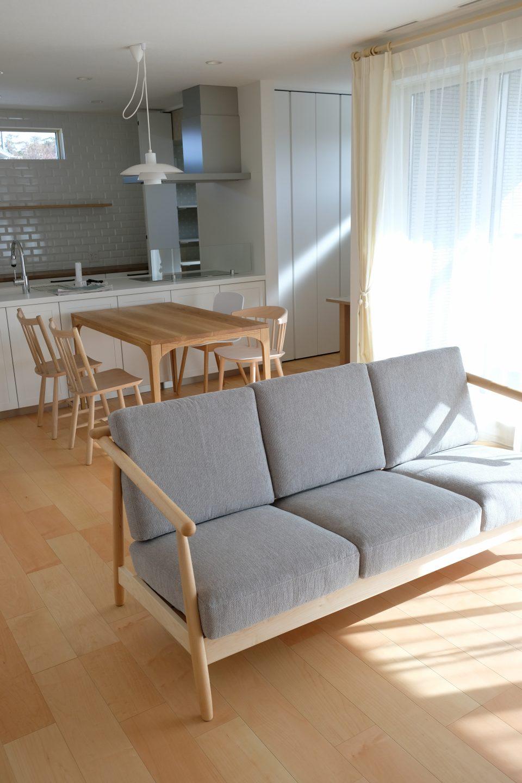 新潟市西区にナガノインテリのソファとオーク材のテーブルセットをお届けしました