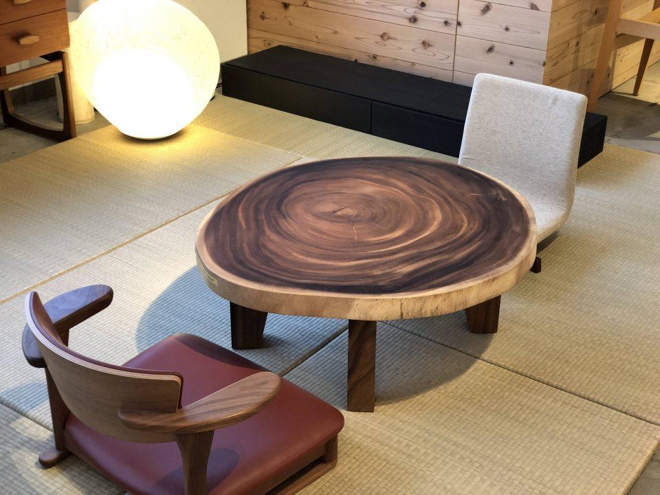 モンキーポッドの輪切りの座卓です