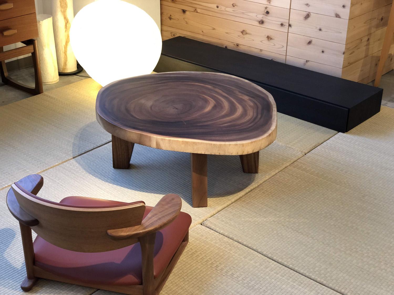 モンキーポッドの幅90センチの使いやすい輪切りの座卓です