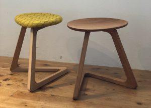 TRIスツールは宮崎椅子製作所のスツールです