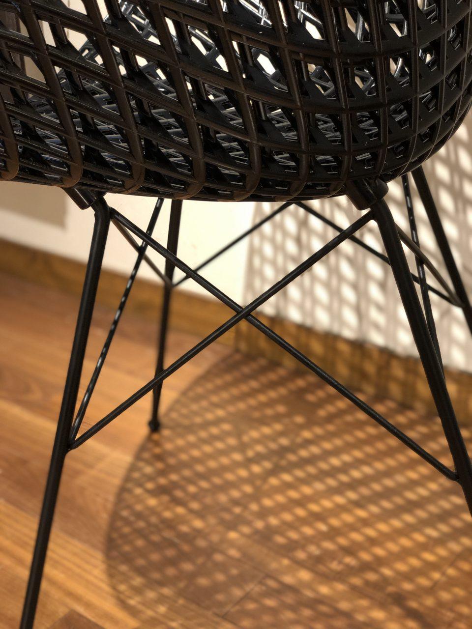 スマトリックというカルテルの吉岡徳仁デザインの新作チェアです