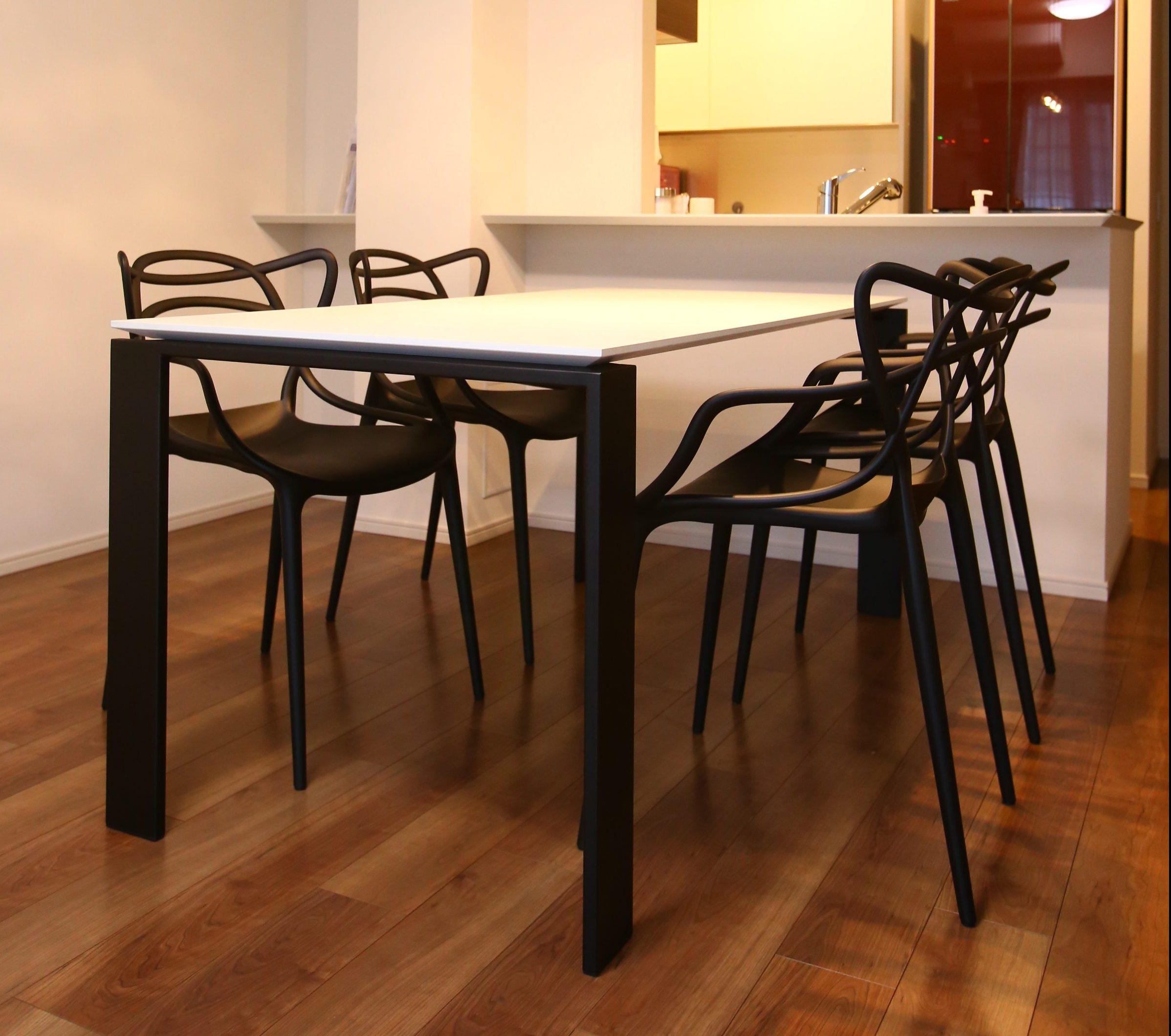カルテル フォーダイニングテーブル