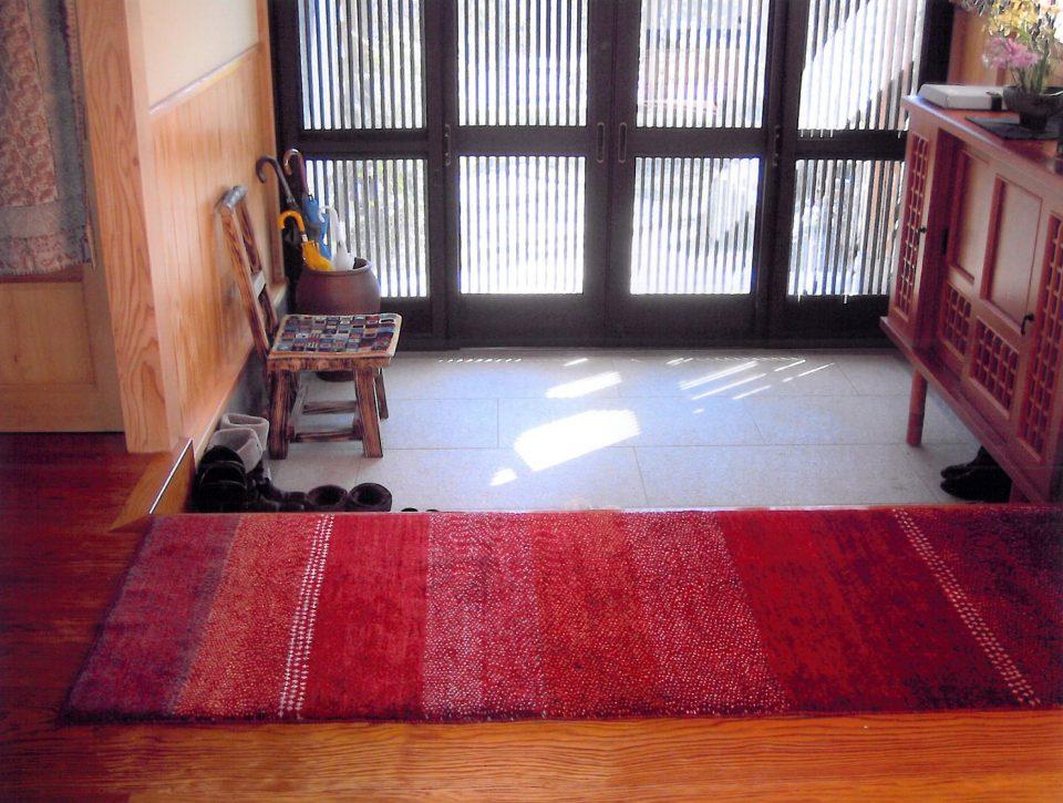 アートギャッベのある風景 ~玄関~05