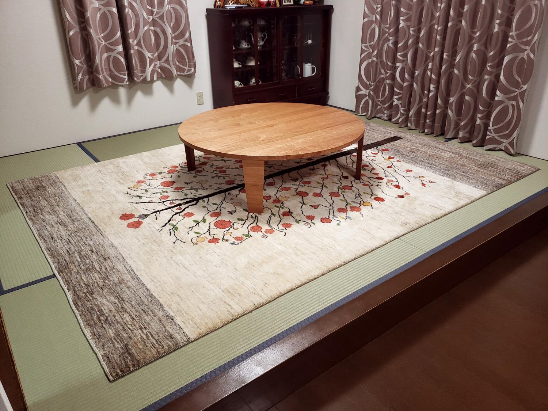 ブラックチェリー材のフロアーテーブル