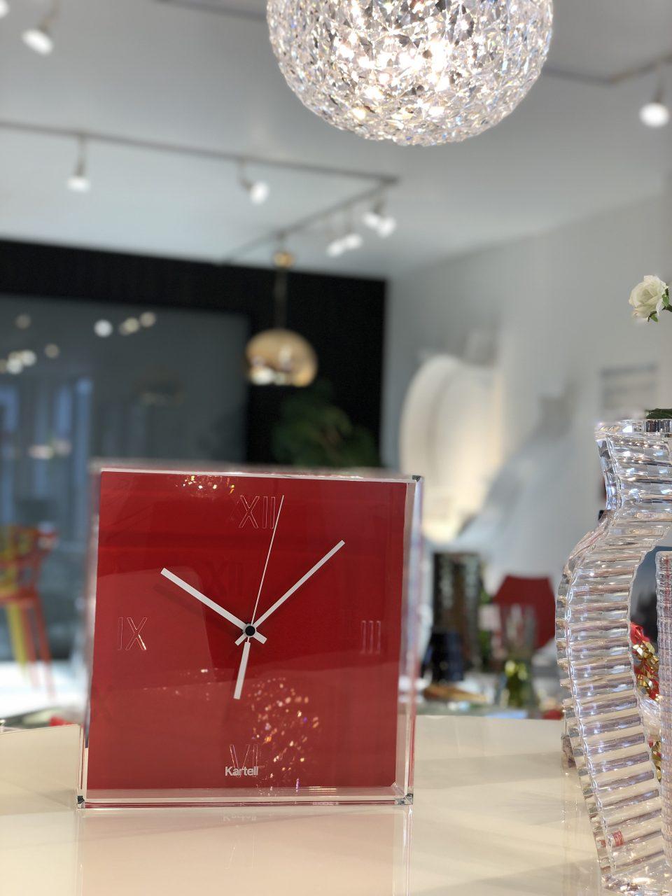 クリスマスプレゼントにお勧めのカルテルの時計です