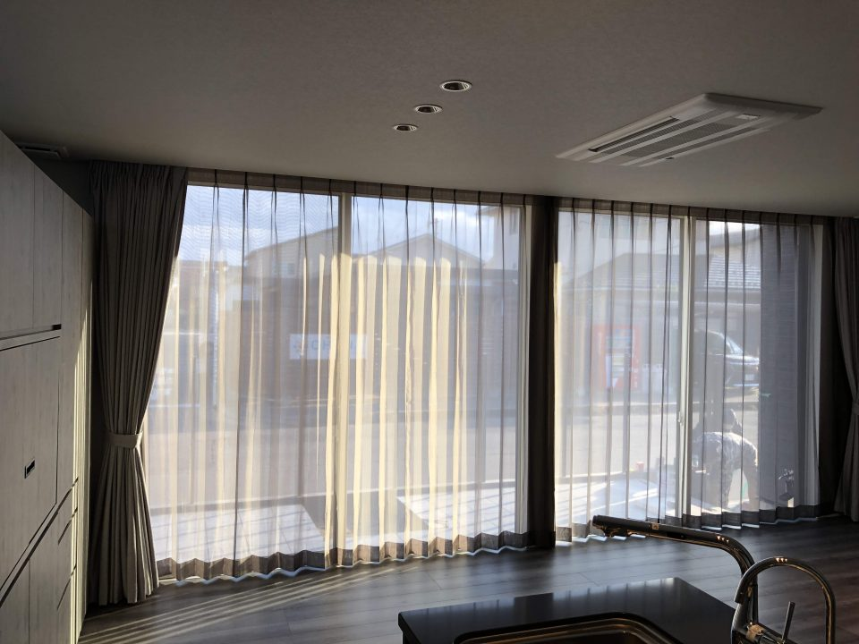 新潟市中央区のご新築のお客様にカーテンを納品いたしました
