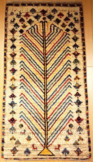 新潟のインテリアショップがご紹介する手織り絨毯アートギャッベ