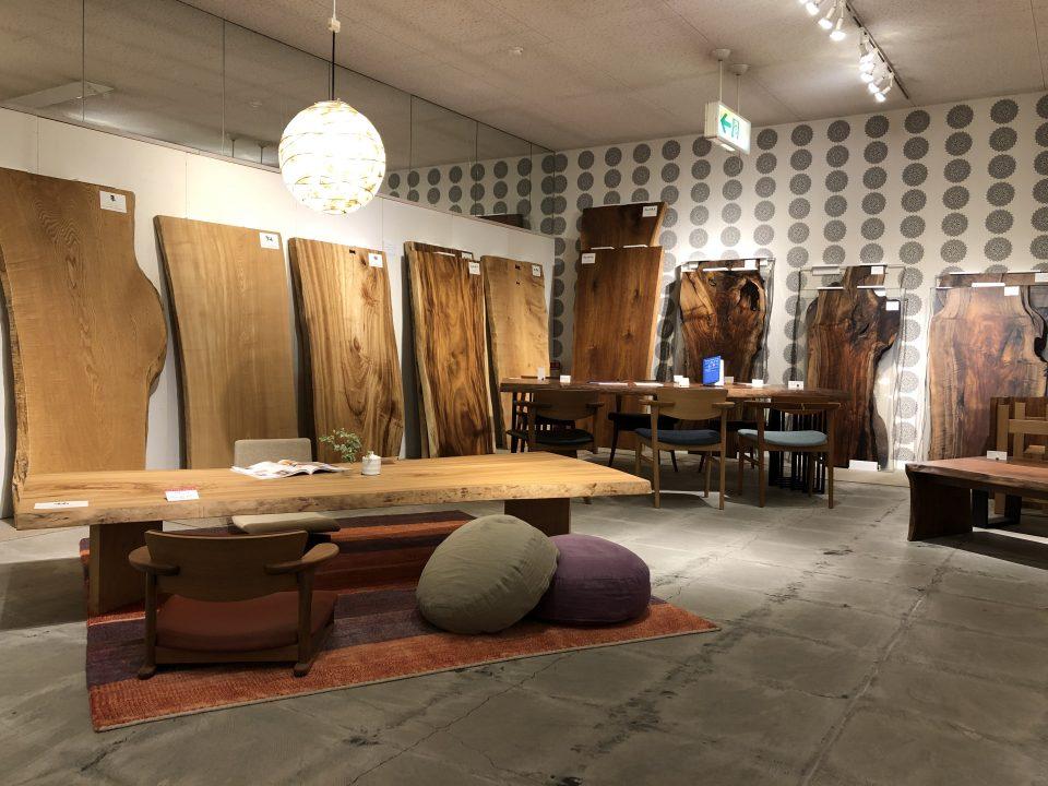 新潟市の家具店ボー・デコールでは、様々な一枚板を取り揃えております