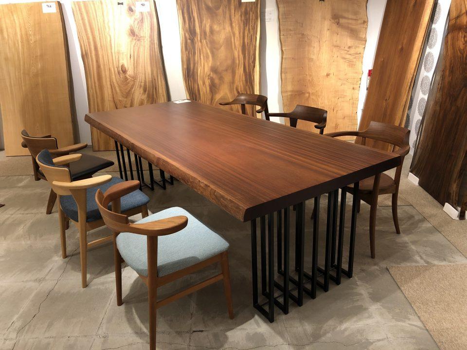 アフリカ産のシポの木など新潟市の家具店ボーデコールでは珍しい種類の一枚板を取り揃えております