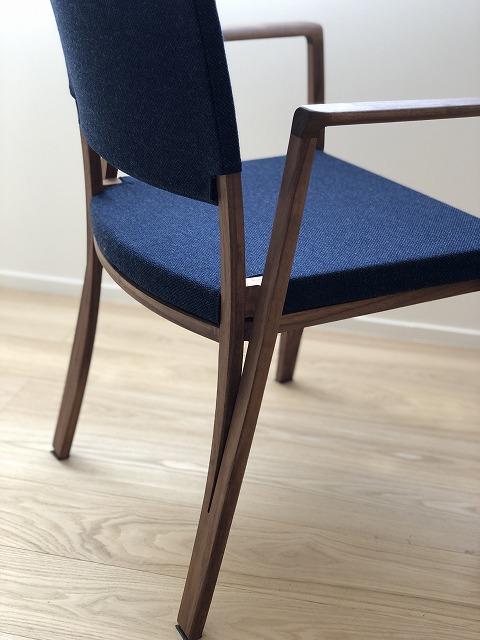 新潟市の家具店インテリアショップ ボー・デコールでは椅子が約100脚取り揃えております