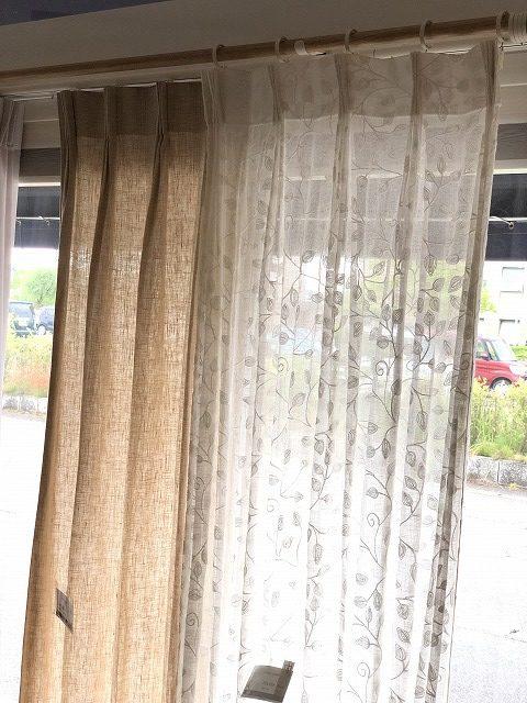 夏には爽やかなリネンカーテンを新潟市のカーテンショップボー・デコールでは取り揃えております