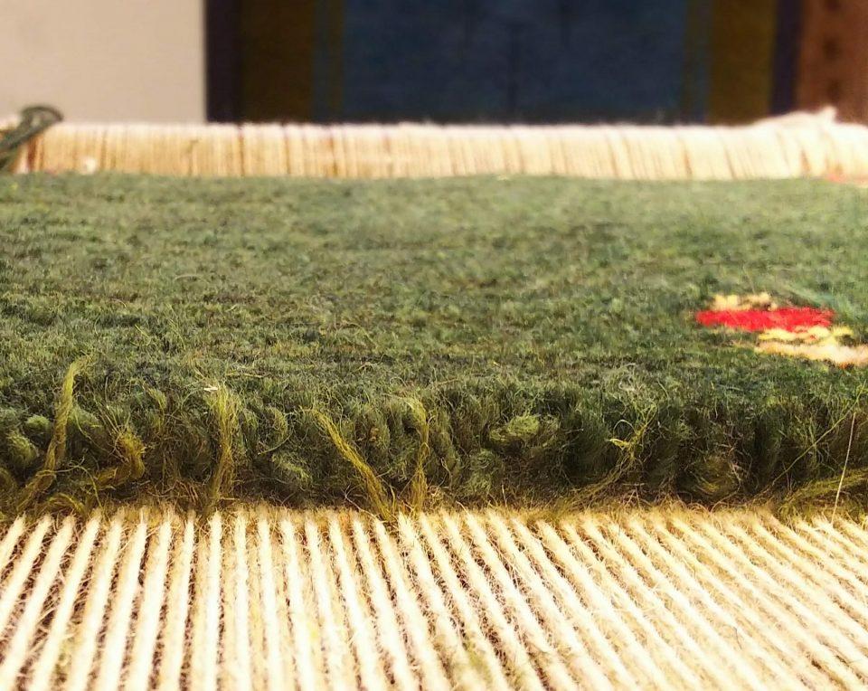 目が詰まっている絨毯の様子
