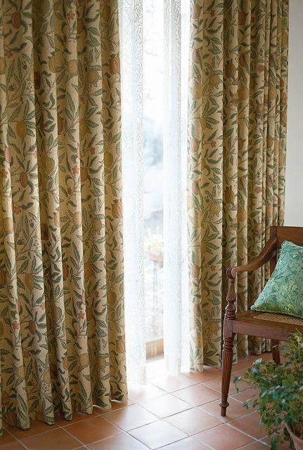 ウィリアムモリスコレクションカーテンのフルーツ