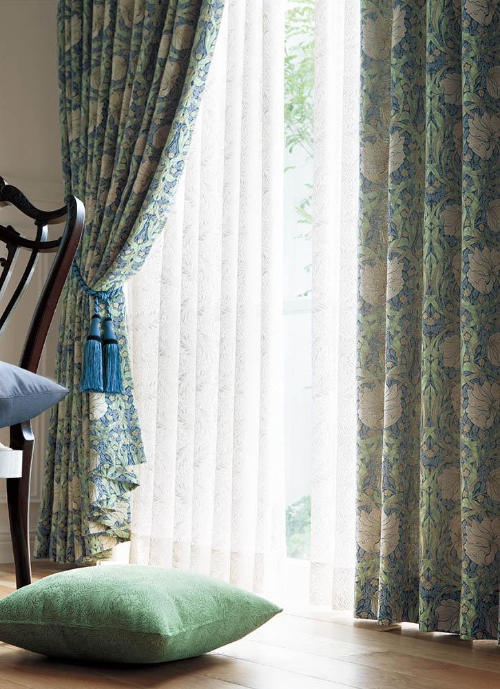 ウィリアム・モリスのカーテンコレクションのピンパーネルです