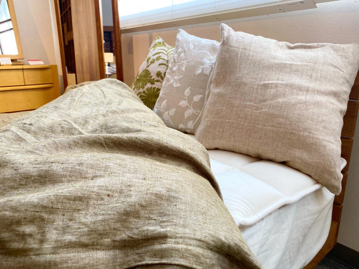 ベッドに置いて枕として
