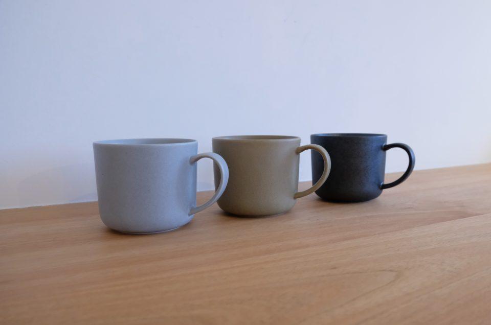 マグカップのご紹介 グレー・モカ・チャコールの3色です