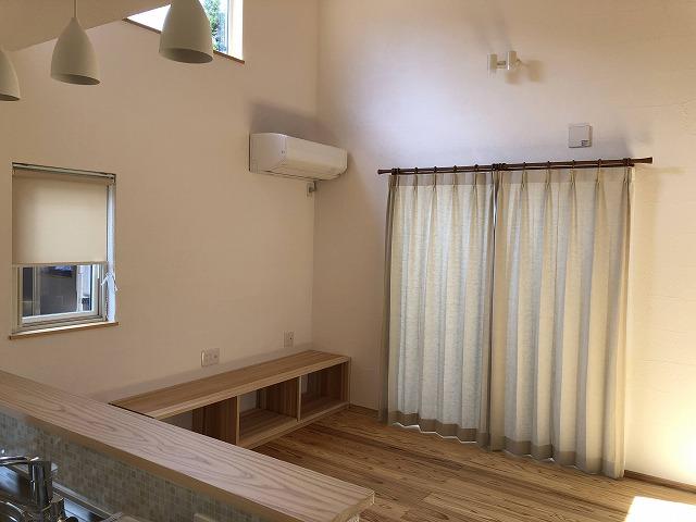 新潟市のカーテンショップボー・デコールでは、ナチュラルなカーテンを扱っております