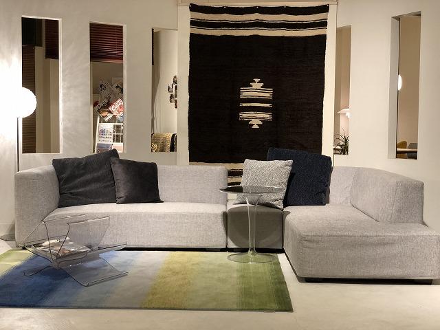 新潟市の家具店ボー・デコールではカウチソファを展示しております