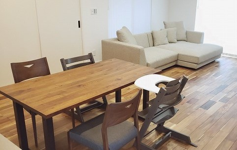 新潟市にソファとダイニングテーブルをお届いたしました