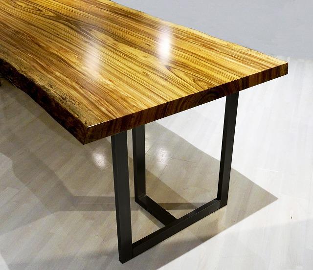 一枚板用のスチール製テーブル脚です