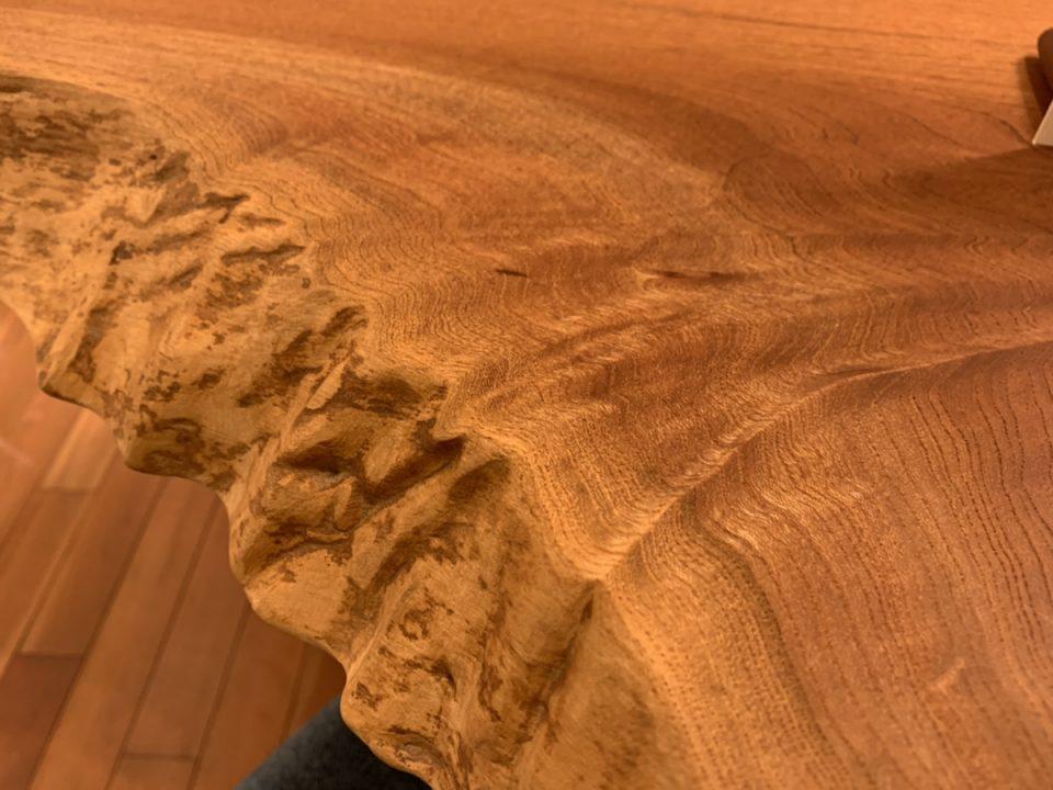 波紋のような木目
