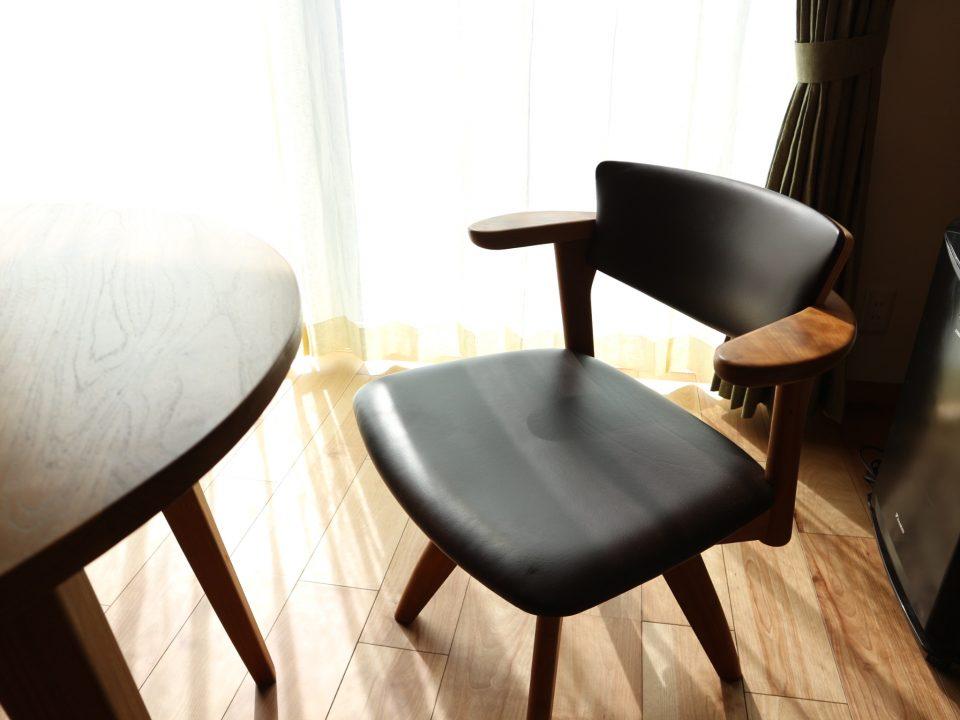 awaza 腰に優しい椅子