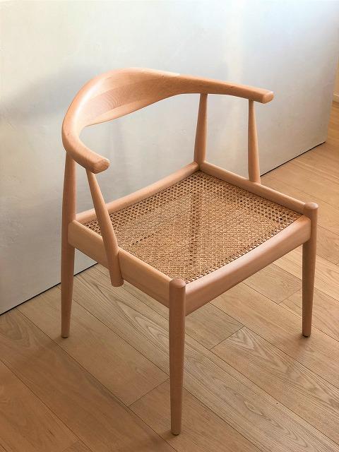 国産ブナ材の籐の椅子が入荷いたしました