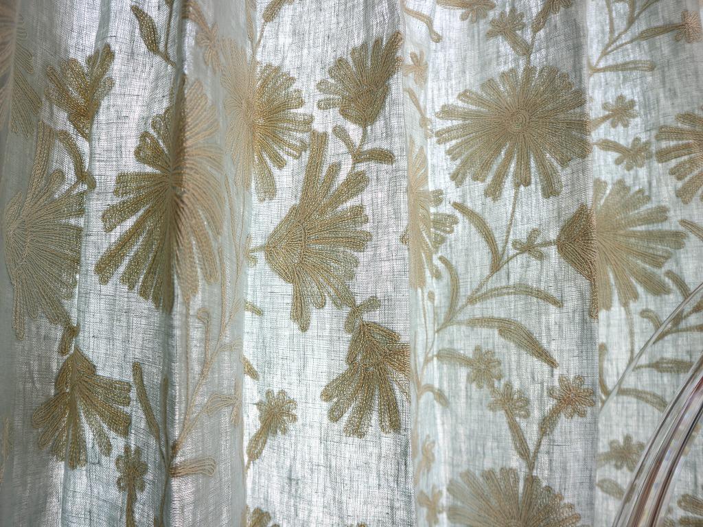 リネン 刺繍カーテン