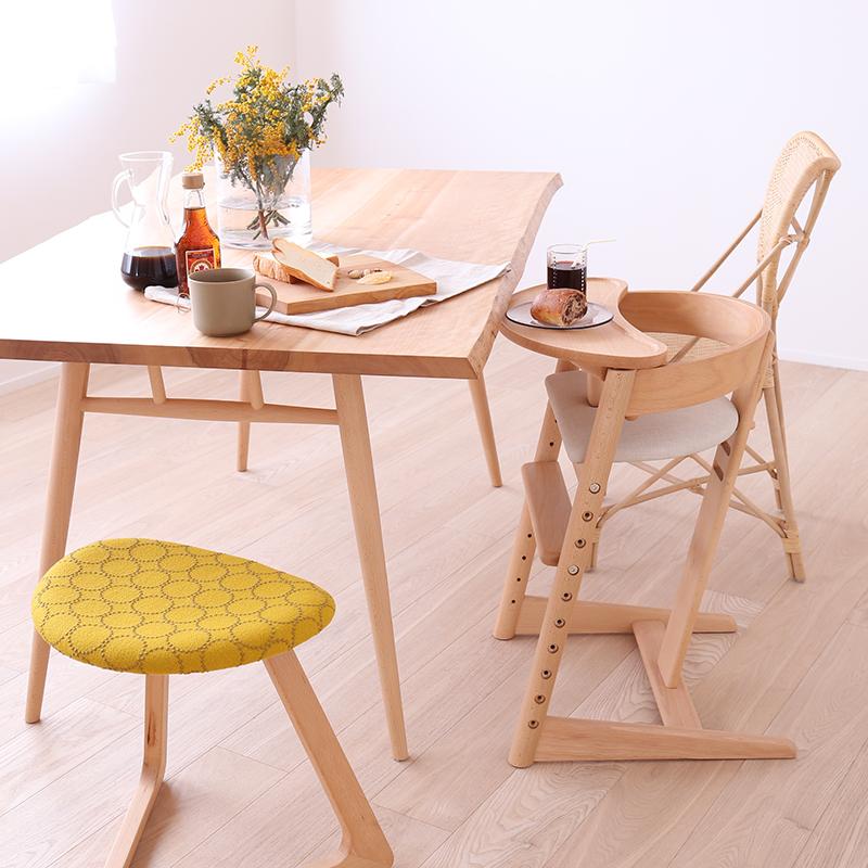 ダイニングテーブル タンバリンの椅子